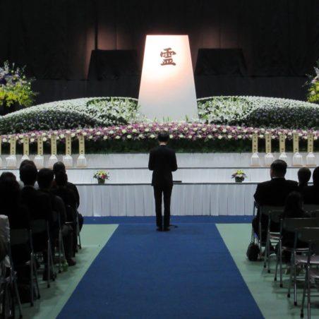 御遺骨返還式(内木医学部長による追悼の言葉)