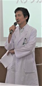 司会を担当する岩野医学図書館長