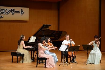 クァルテット・エクセルシオとピアニスト・今川 裕代さんでモーツァルトのピアノ協奏曲 第12番KV414イ長調が演奏されました。