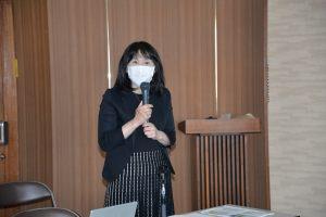 講演する酒井明子教授