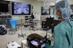 内視鏡手術に用いる鉗子操作体験