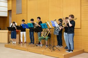 吹奏楽部による演奏1