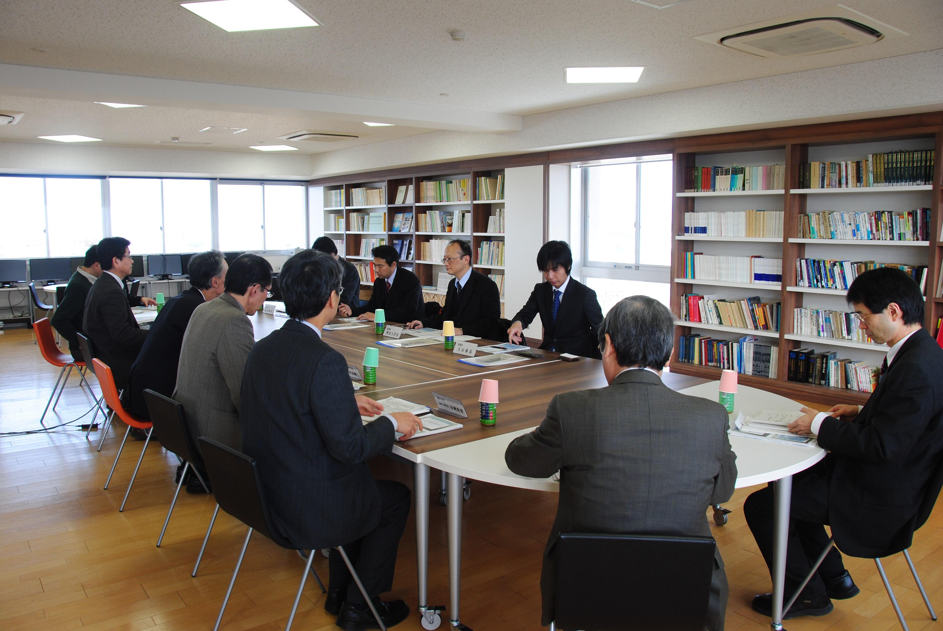 財務省神田主計官が福井大学を視...