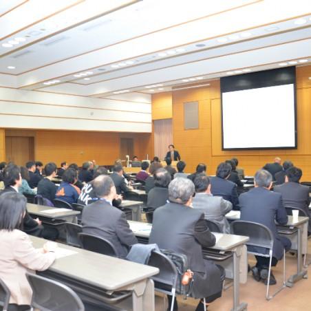 多数の参加者で賑わったセミナー会場